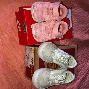 Lot of 2!! Vans and nike baby girl shoes size 3